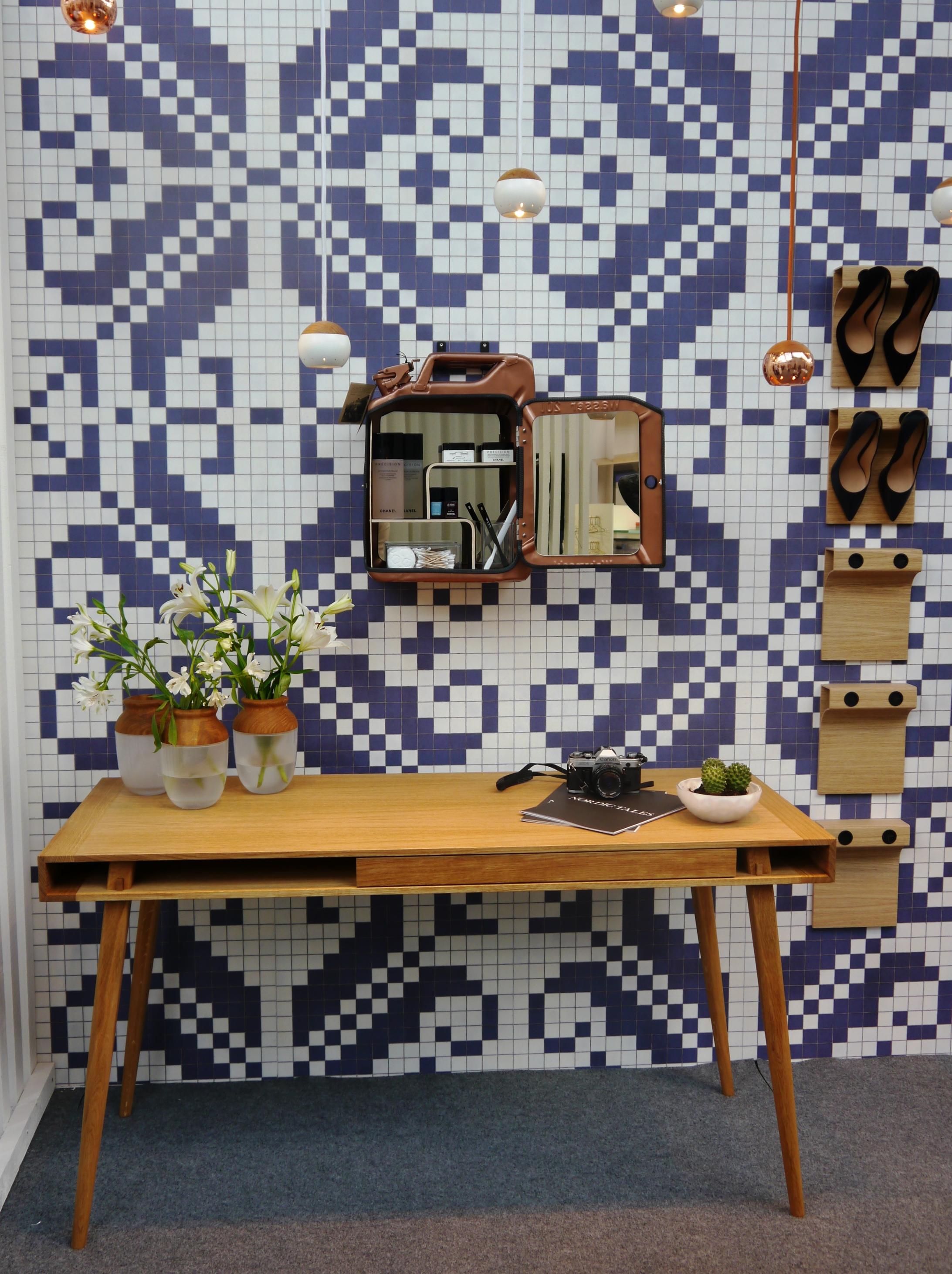 Nordic tales tisch und vase aus holz holzdesignpur blog for Tisch nordisches design