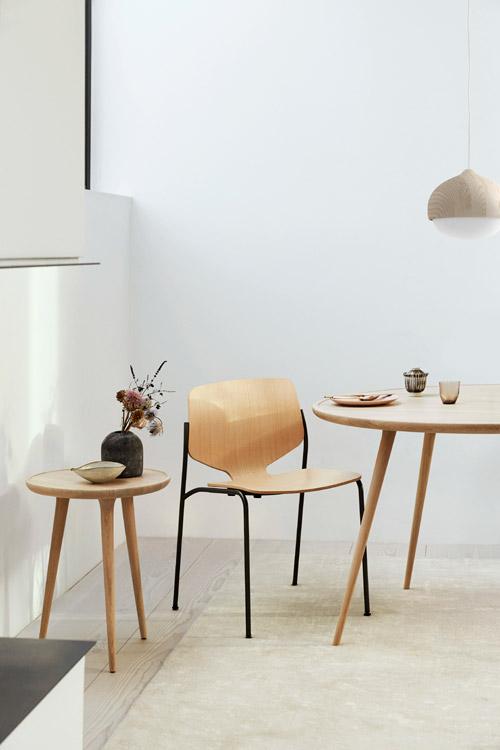 Mater NOVA CHAIR Stapelstuhl aus Holz und Metall
