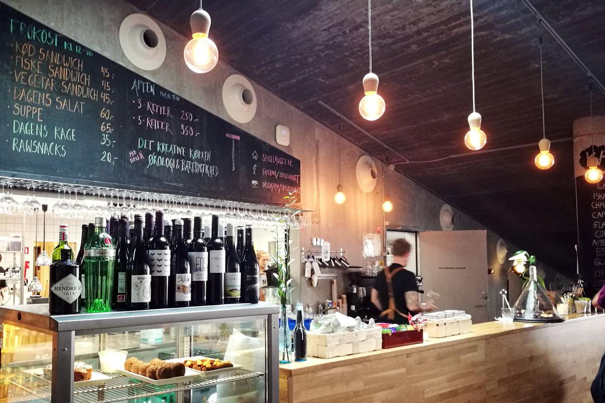 In Godsbanen finden sich auch die Bright Sprouts über der Kaffeebar wieder.