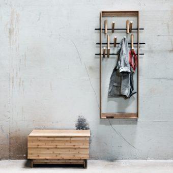 Wandgarderobe COAT FRAME im Design von WeDoWood