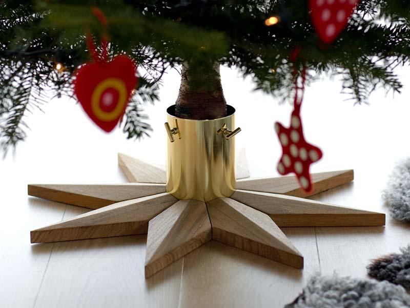 CHRISTMAS TREE BASE von Skagerak für den Weihnachtsbaum