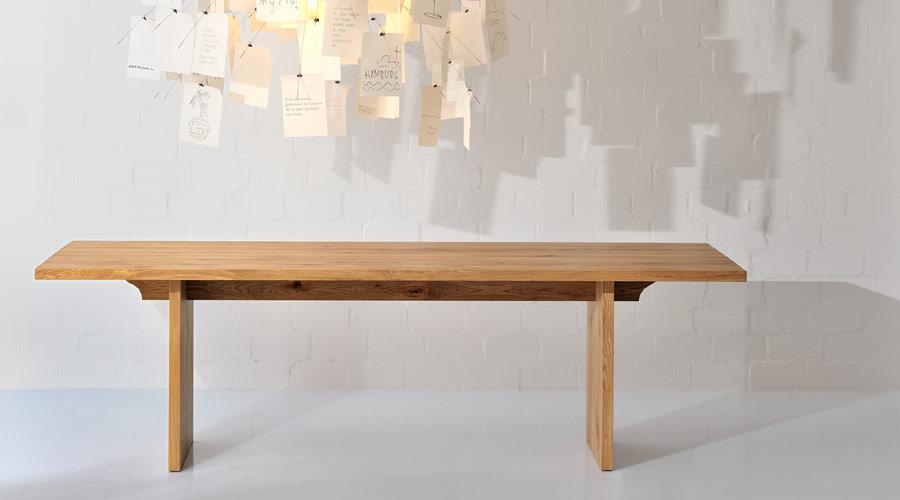 Tisch Aus Massivholz Der Tisch Saga Von Vitamin Design
