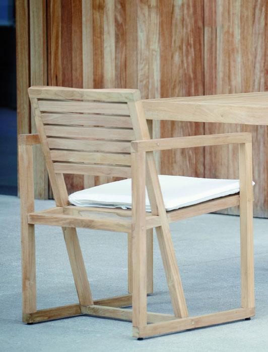 gartenstuhl timber von jan kurtz i holzdesignpur. Black Bedroom Furniture Sets. Home Design Ideas