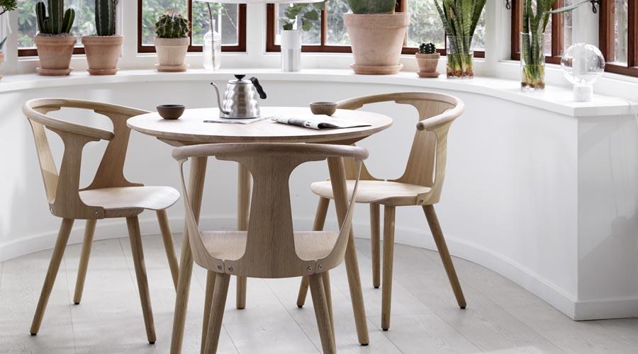 Stuhl in between sk1 von tradition i holzdesigpur for Designer stuhle esszimmer