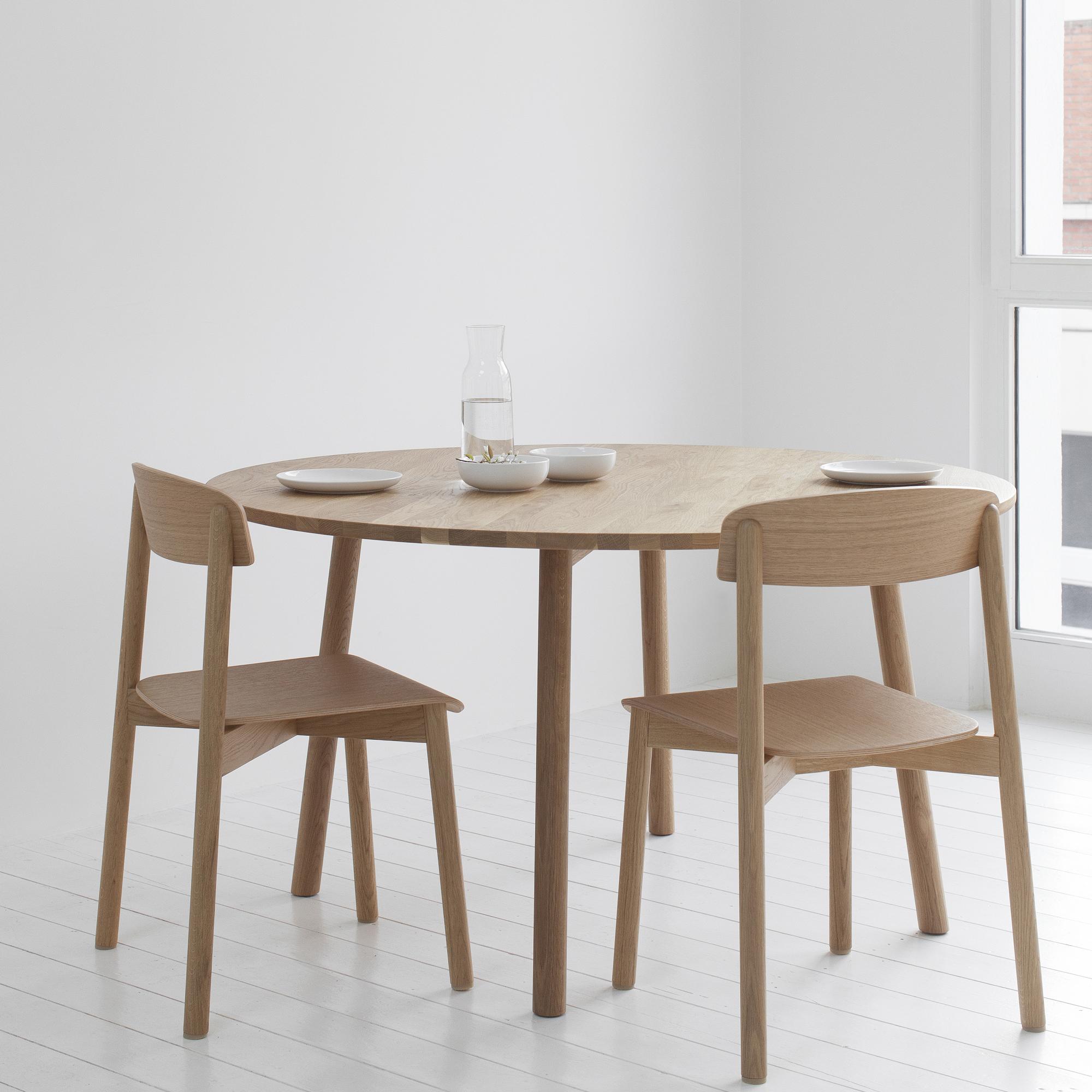 runder profile table von stattmann i holzdesignpur. Black Bedroom Furniture Sets. Home Design Ideas