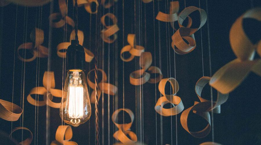 Kronleuchter Rund Holz ~ Kronleuchter giant flock chandelier von tom raffield