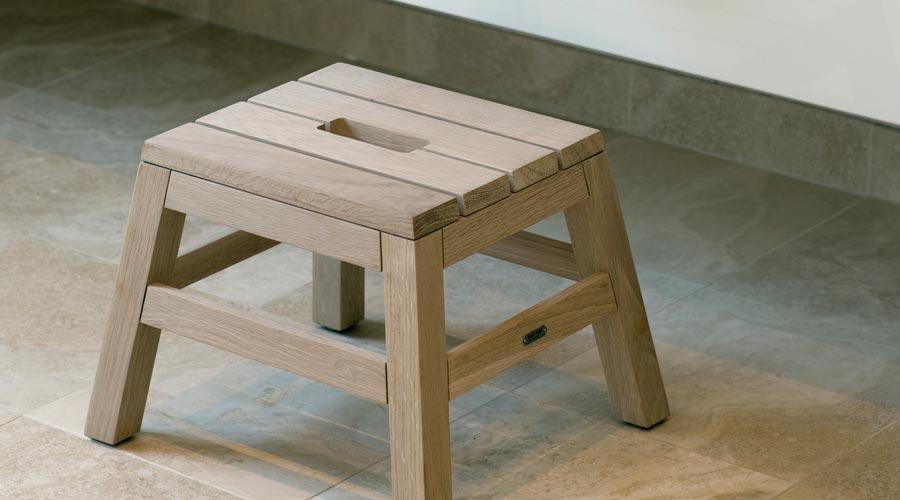tritthocker dania stool von skagerak i holzdesignpur. Black Bedroom Furniture Sets. Home Design Ideas